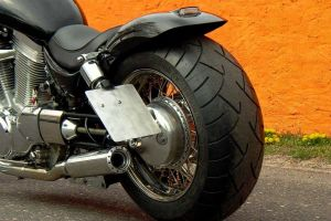 suzuki_vs_1400_intruder_black_8.jpg