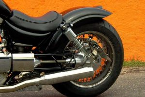suzuki_vs_1400_intruder_black_7.jpg