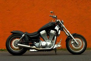 suzuki_vs_1400_intruder_black_10.jpg